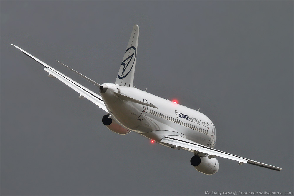 SSJ100 на МАКС-2015.