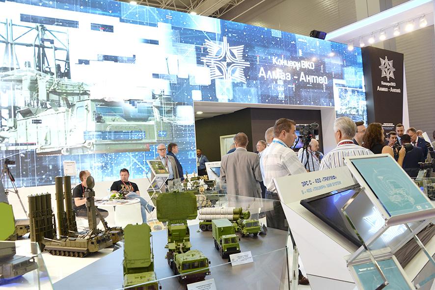 Стенд Концерна ВКО «Алмаз – Антей» на Международном военно-техническом форуме «Армия-2017».