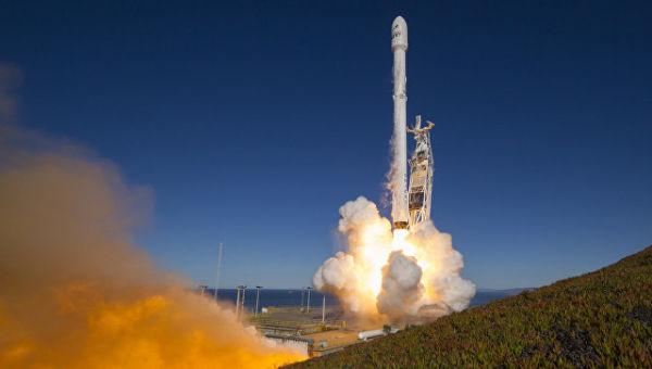 Старт ракеты Falcon 9 компании SpaceX. Архивное фото