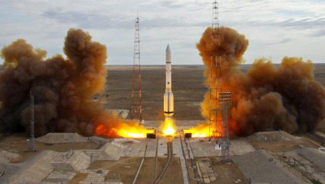 Старт ракеты-носителя Протон-М с Байконура.