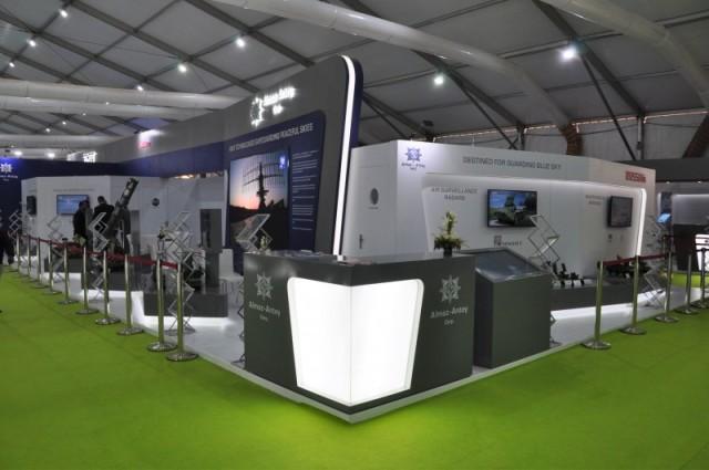 "Стенд АО ""Концерн ВКО ""Алмаз - Антей"" на выставке DefExpo 2020 в Лакхнау, Уттар-Прадеш, Индия (c) bmpd"