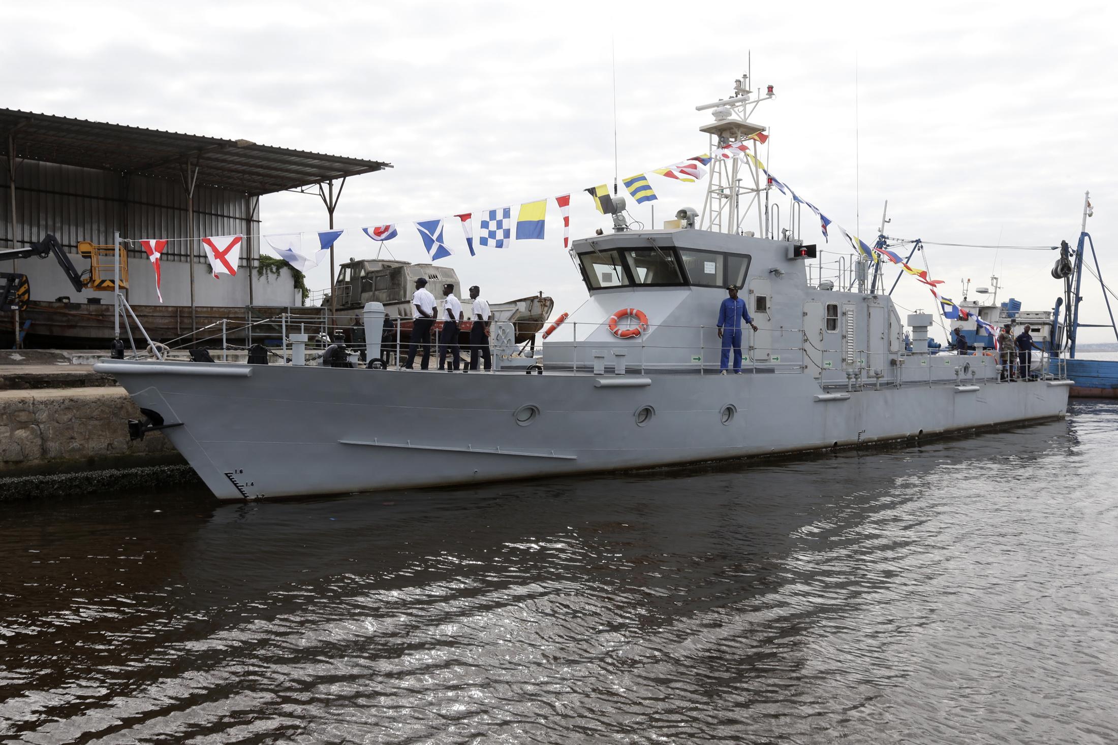 Сторожевой катер, переданный Китаем ВМС Кот д'Ивуара. Абиджан, 07.07.2017.