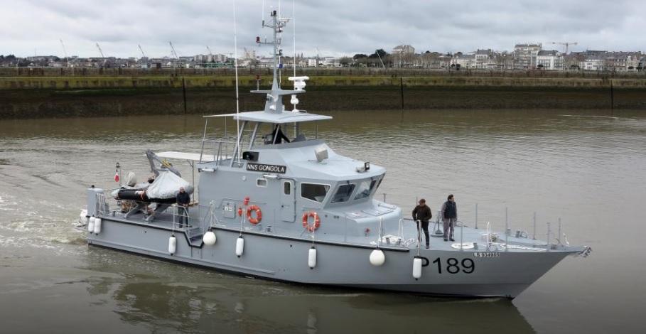 Построенный французской компанией ОСЕА для ВМС Нигерии сторожевой катер Р 189 Gongola проекта FPB 72 Mk II на испытаниях. Сен-Назер, 22.12.2017.