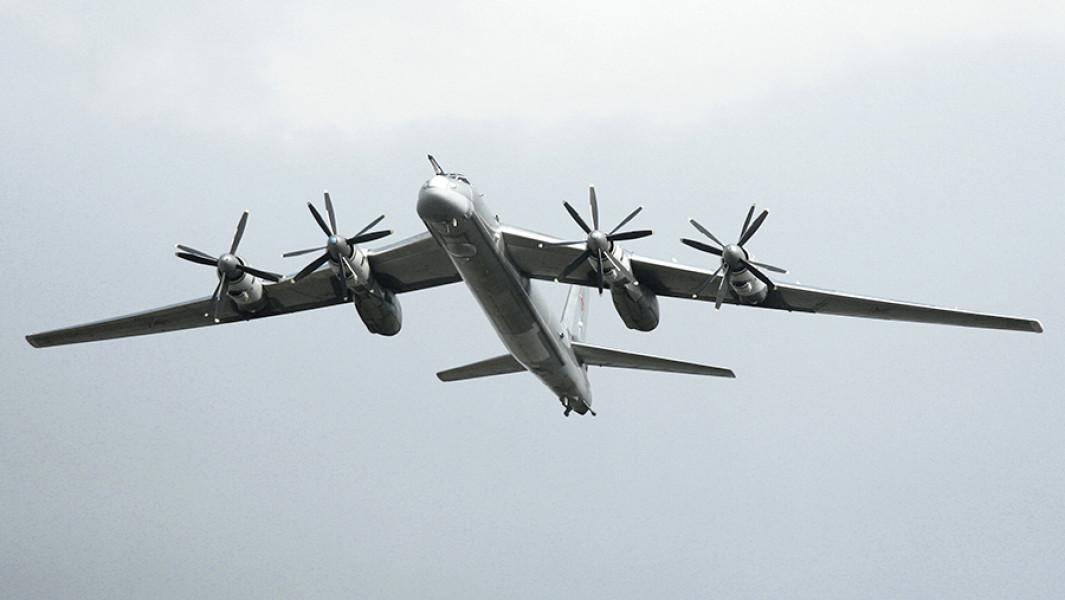 Стратегический бомбардировщик-ракетоносец Ту-95МС.