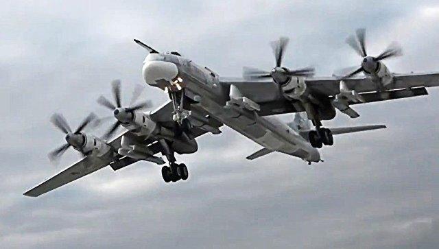 Стратегический бомбардировщик-ракетоносец Ту-95МС. Архивное фото.