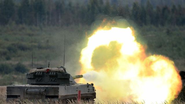 """Стрельба из авиадесантной самоходной противотанковой пушки """"Спрут-СДМ1"""""""