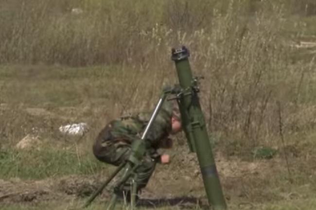 """Стрельба из миномета """"Молот"""" украинского производства."""