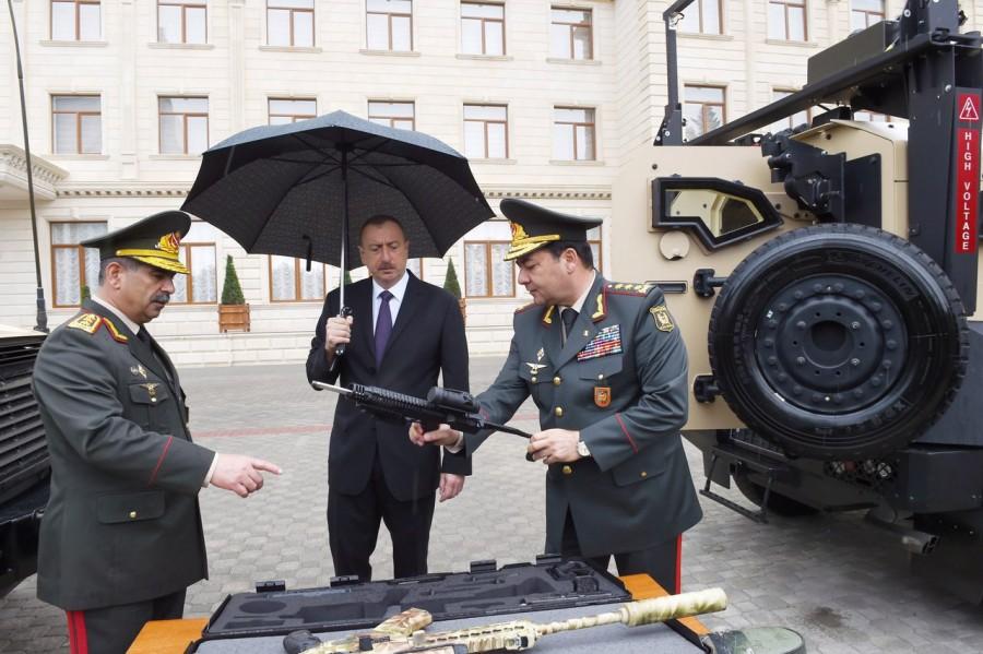 """Пистолет Strike One известный в России как """"Стриж"""" с конверсионным набором LRC-2 для МО Азербайджана."""