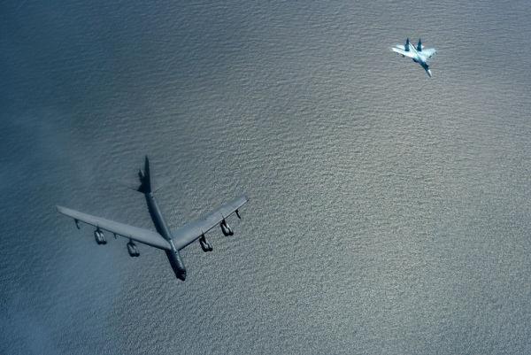 Су-27 и B-52