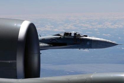 Су-27 и RC-135U