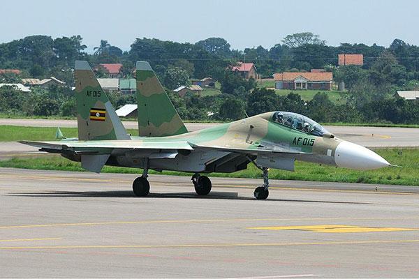 Многоцелевой истребитель Су-30МК2 ВВС Уганды.