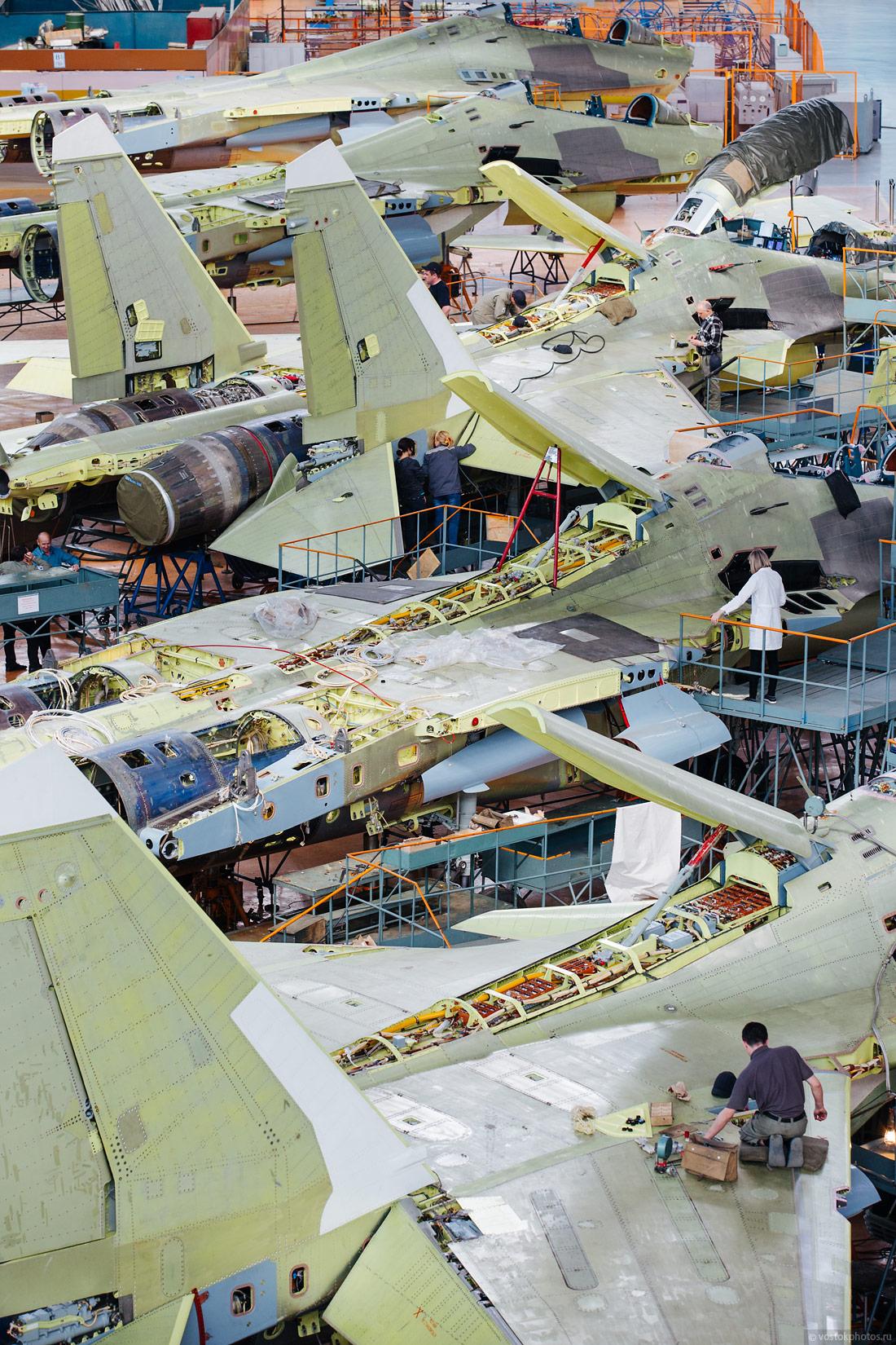Производство истребителей серии Су-30МК и Су-30СМ на Иркутском авиационном заводе ПАО «Научно-производственная корпорация «Иркут». Иркутск, 2015 год.