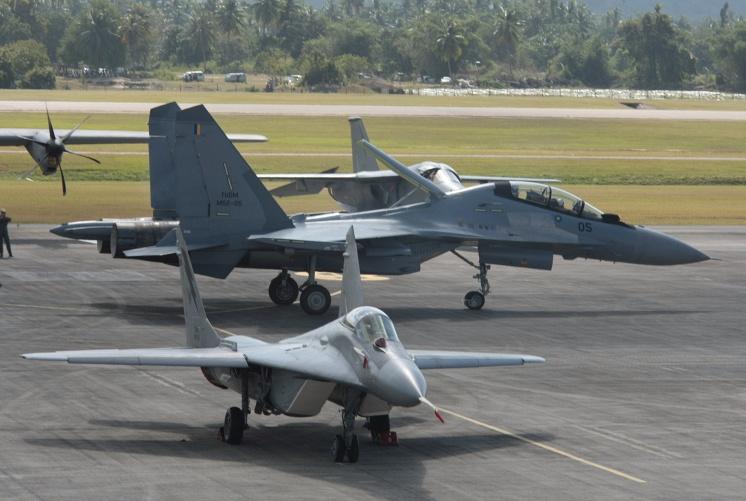 Истребители Су-30МКМ из состава Королевских ВВС Малайзии.
