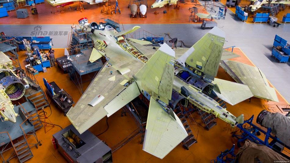 Сборочный цех истребителей Су-30СМ Иркутского авиазавода НПК «Иркут».