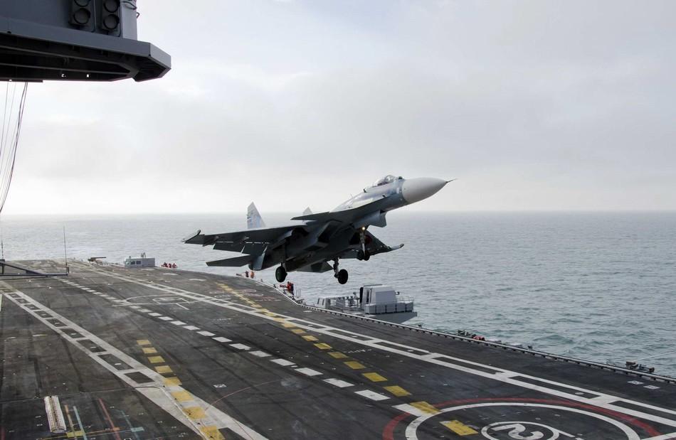 Палубный истребитель Су-33. Испытания авианосца «Викрамадитья» (экс-«Адмирал Горшков»).