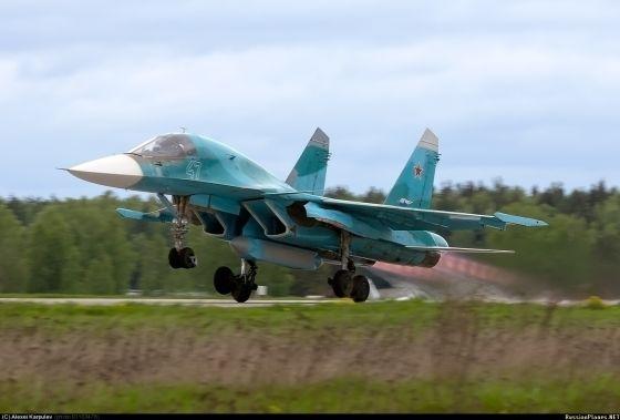 Опытный образец фронтового бомбардировщика Су-34 (седьмой построенный экземпляр Т-10В-7, серийный номер 01-04...