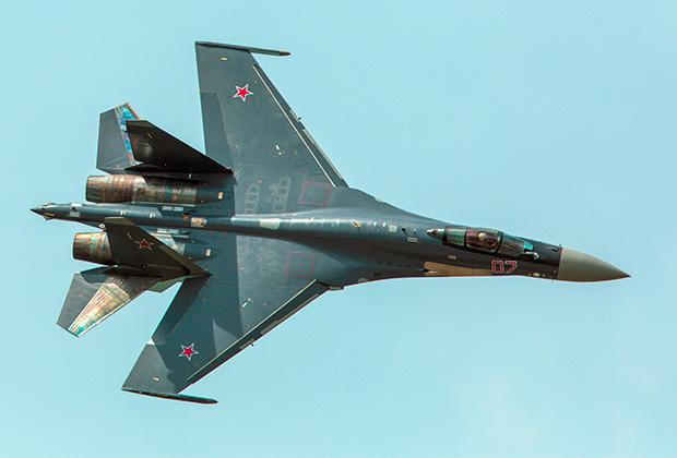 Су-35.