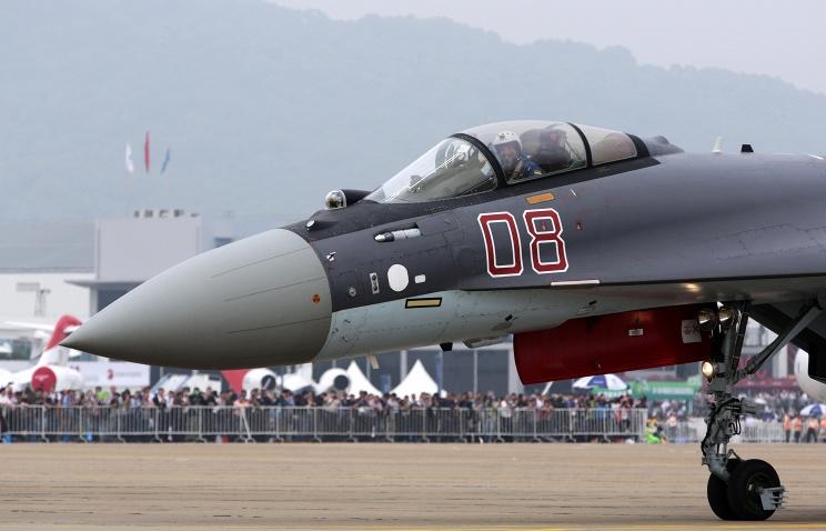 Истребитель Су-35 на Airshow China 2014.