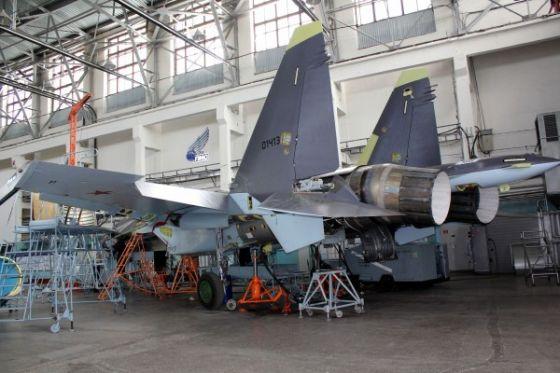Сборка истребителя Су-35С