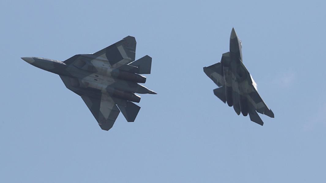 Самолеты Су-57.