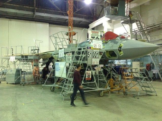 """Су-57 (Т-50, ПАК ФА) - самолет с номером Т-50С-1. (серийный номер 51001, бортовой номер """"01 синий""""). Комсомольск-га-Амуре, 08.11.2019"""