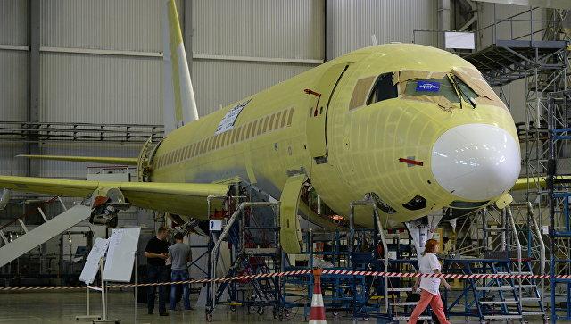 Сборка самолетов Sukhoi Superjet.
