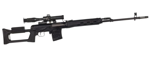 Снайперская винтовка Драгунова СВД<br>Калибр — 7,62 мм, длина — 1220 мм, вес — 4,3 кг, магазин — 10 патронов, практическая скорострельность — до 20 выстрелов в минуту.