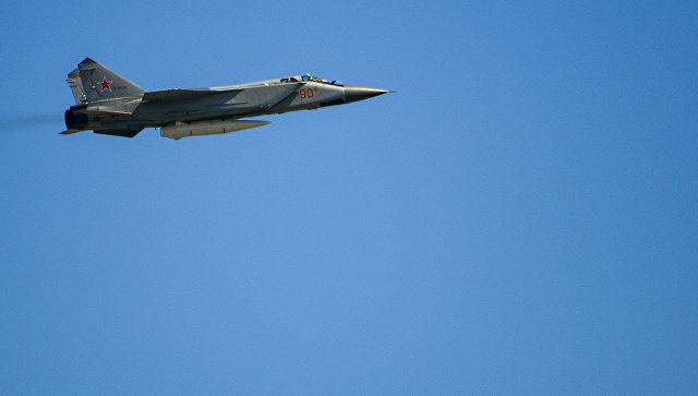 Сверхзвуковой истребитель-перехватчик МиГ-31БМ. Архивное фото.