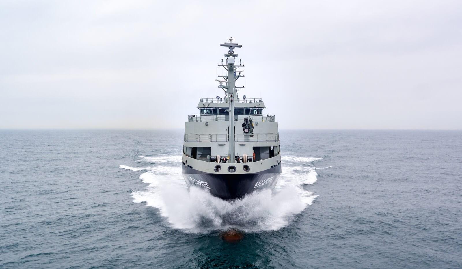Построенный группой Damen Shipyards Group для министерства обороны Австралии многоцелевой авианесущий учебный корабль (Multi-role Aviation Training Vessel - MATV) Sycamore на испытаниях.