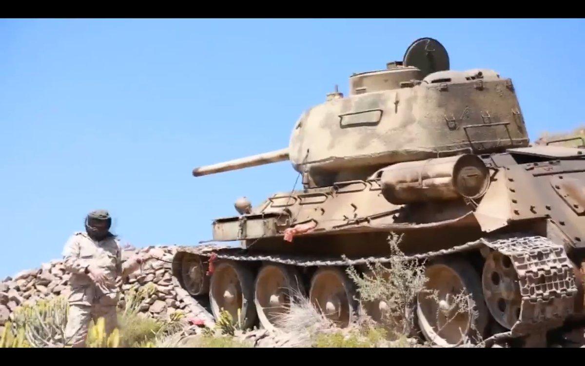 Танк Т-34-85 используемый йеменскими военными.