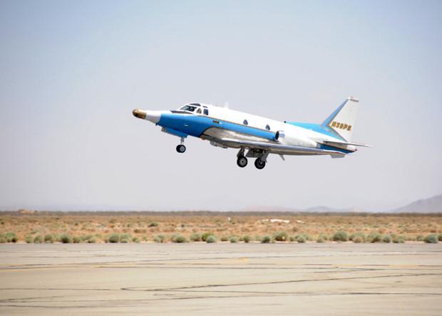 Опытовый самолет T-39 для испытания систем самонаведения ракет Tomahawk.