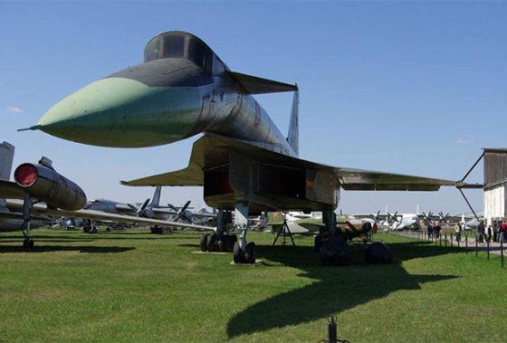 Самолет Т-4 «Сотка»