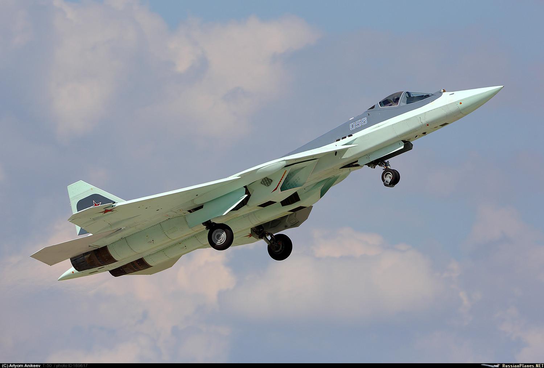 """Шестой летный опытный образец ПАК ФА самолет Т-50-6-2 (бортовой номер """"056"""") в Жуковском. Май 2016 года."""
