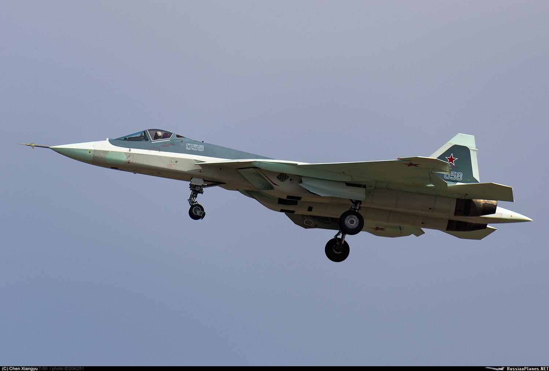 Седьмой летный опытный образец Т-50-8 российского истребителя пятого поколения по программе ПАК-ФА. Жуковский, март 2017 года