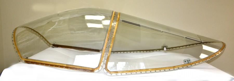 Комплект остекления самолета Т-50 - лобовой козырек и откидная часть.