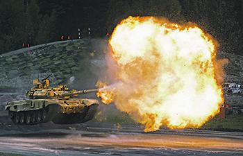 Т-90 «Владимир» – российский основной боевой танк на учениях. Фото РИА Новости