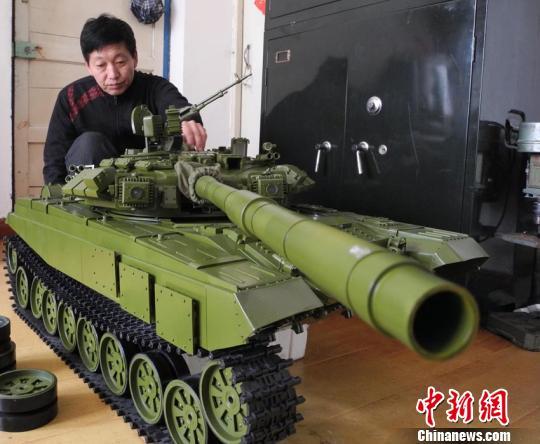 Самодельная модель российского основного боевого танка Т-90 в масштабе 1:6. Источник: news.sohu.com.