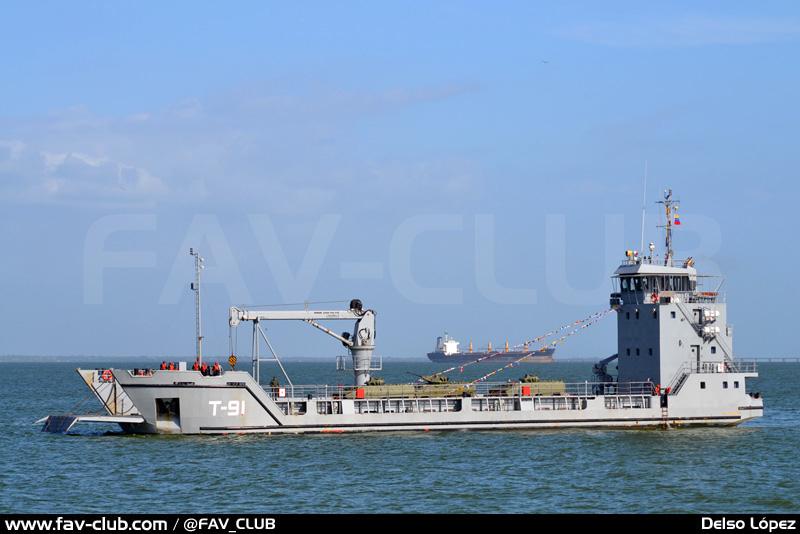 Головное многоцелевое транспортное судно Т-91 Los Frailes проекта Damen Stan Lander 5612 ВМС Венесуэлы, построенное на Кубе предприятием DAMEX. Июль 2013 года.