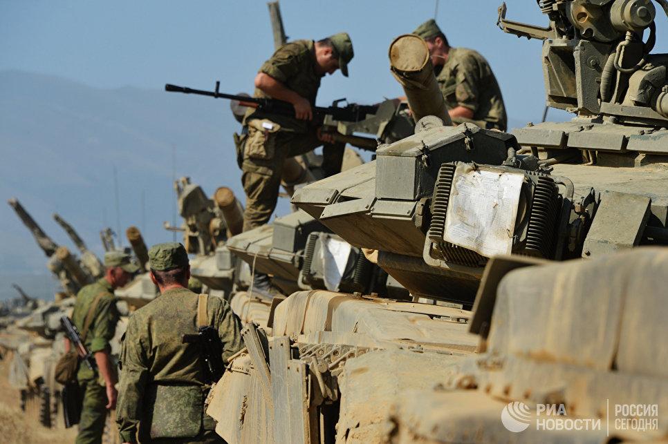 Тактические учения мотострелковой бригады. Архивное фото.
