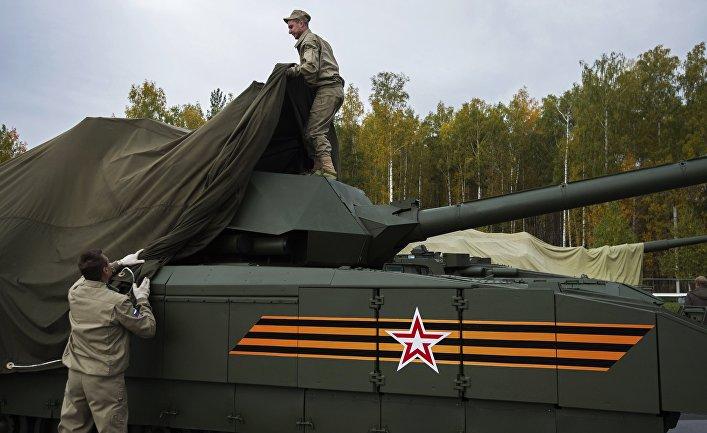 """Танк Т-14 на гусеничной платформе """"Армата"""" на 10-й международной выставке Russia Arms Expo."""