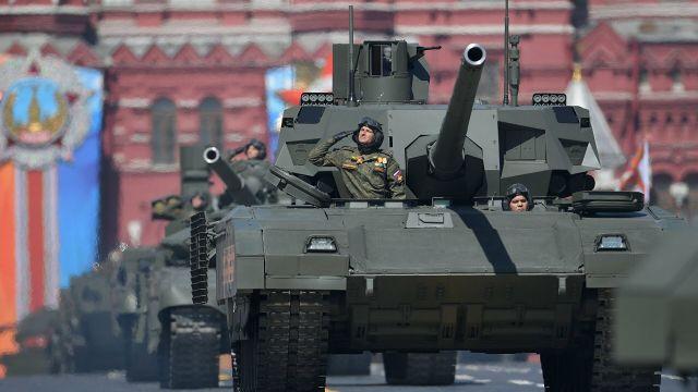 """Танк Т-14 """"Армата"""" на военном параде, посвященном 73-й годовщине Победы в ВОВ"""