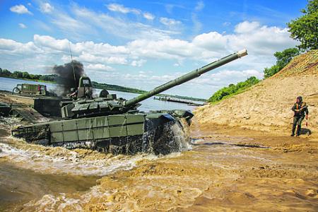 Танк Т-72Б3 не только побеждает в танковом биатлоне, но и обеспечивает преимущество на поле боя. Фото с сайта www.mil.ru