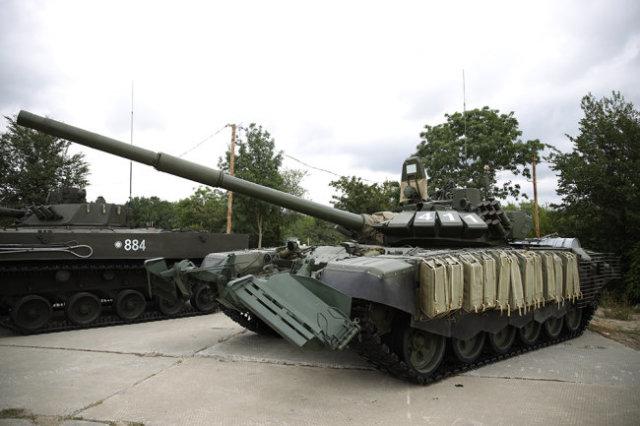 Танк Т-72Б3М УБХ на праздничных мероприятиях в честь Дня ВДВ на полигоне Раевский в Краснодарском крае.