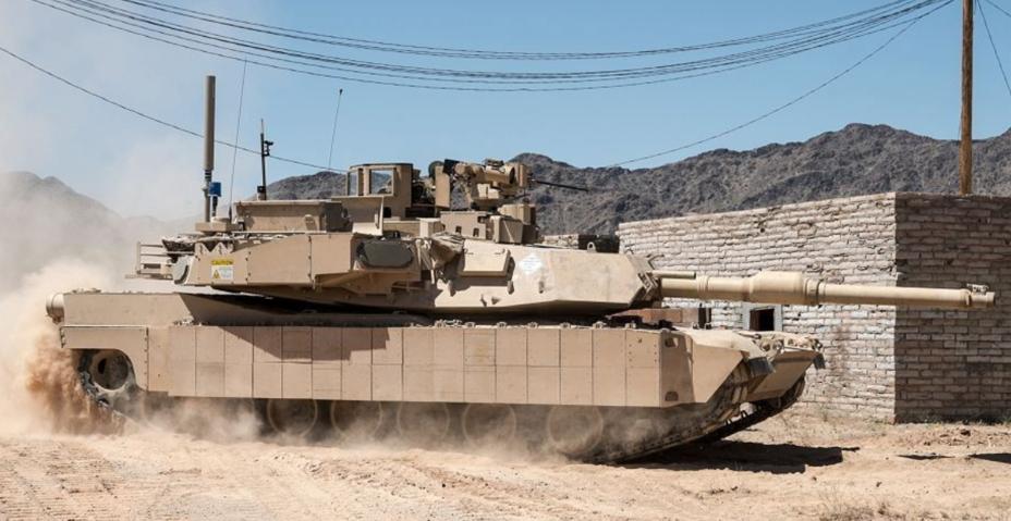 Танк Abrams M1A2, оснащённый системой Trophy.