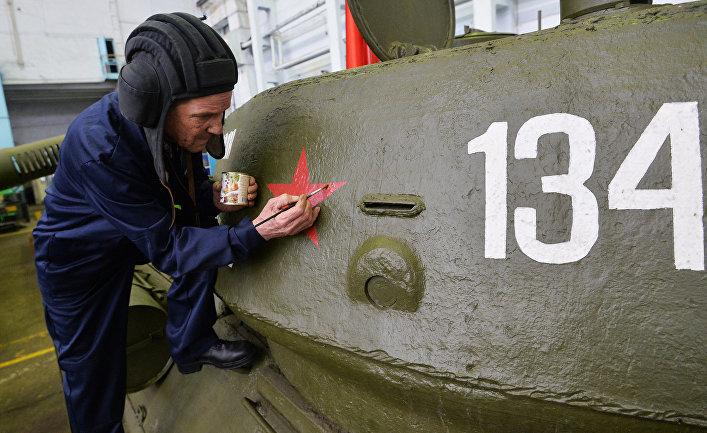 Танк Т-34 на Челябинском тракторном заводе.