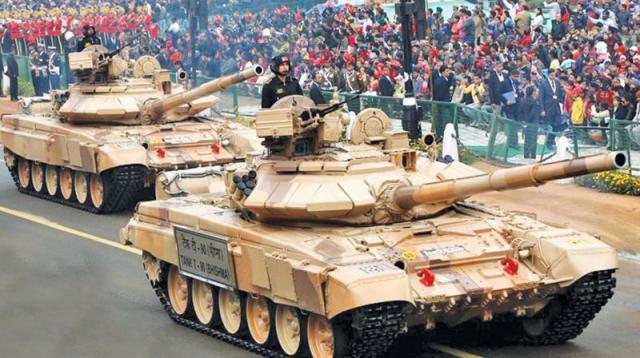 Танки Т-90С (Bhishma) армии Индии на параде