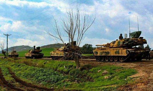 """Колонна модернизированных по программе """"Firat"""" танков M60T турецкой армии."""