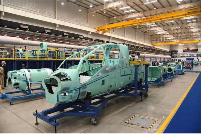 Производство первых фюзеляжей боевого вертолета Boeing AH-64E Apache Guardian на открывшемся совместном предприятии Tata Boeing Aerospace Limited (TBAL) американской корпорации Boeing и индийской компании Tata Advanced Systems Ltd. (TASL,оборонный дивизион индийской группы Tata). Хайдерабад (Индия), 01.03.2018.