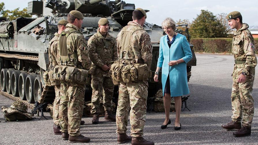 Премьер-министр Великобритании Тереза Мэй во время посещения лагеря Балфолк около Солсбери, сентябрь 2016 года.