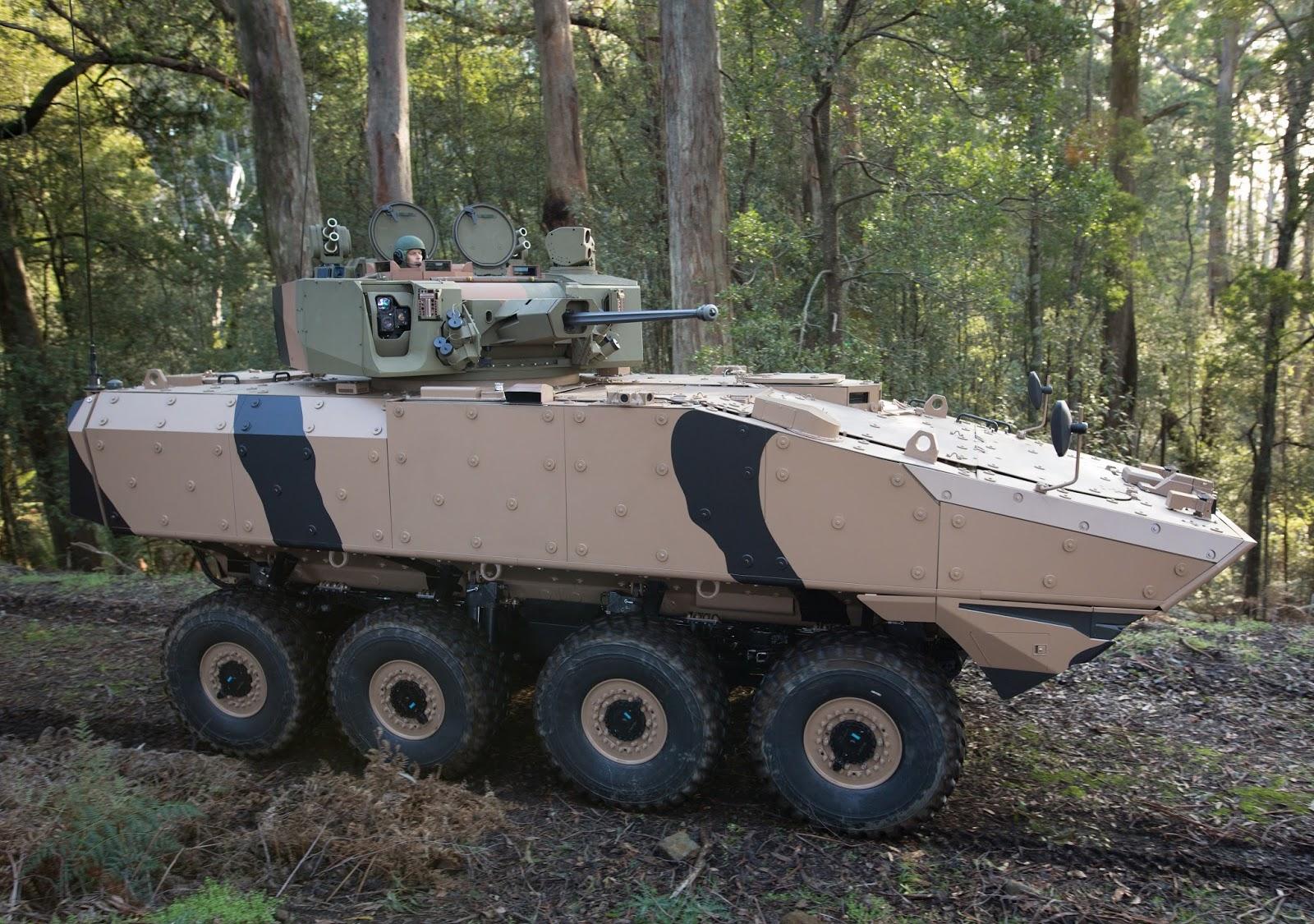Разработанный компанией Timoney Technology и представленный сингапурской компанией Singapore Technologies Kinetics (STK) колесный бронетранспортер Terrex 3 (Sentinel II) на испытаниях в тендере сухопутных войск Австралии по программе LAND 400 Phase 2. 2016 год.